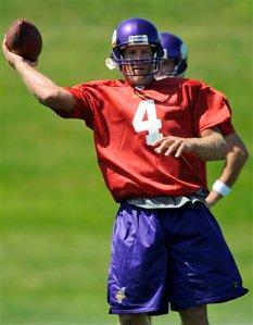 Favre ya entrena con los Vikings (foto/AP)
